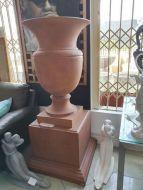 Lyonnaise Large Urn & Plinth Set M