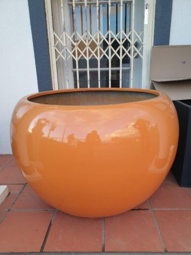 Lightweight Outdoor Ball Planter in Bright / Gloss Colours
